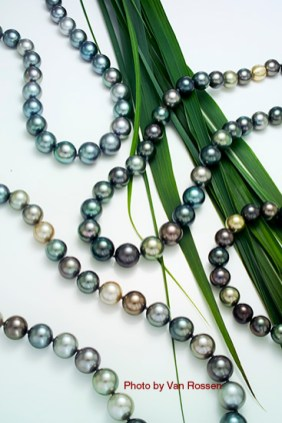 Pearls_Green_Grass