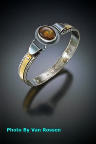 Stone_Top_Bracelet