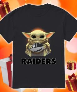 Baby Yoda hug Oakland Raider shirt