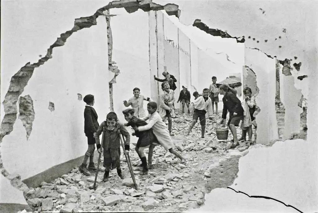 Henry Cartier Bresson, Seville