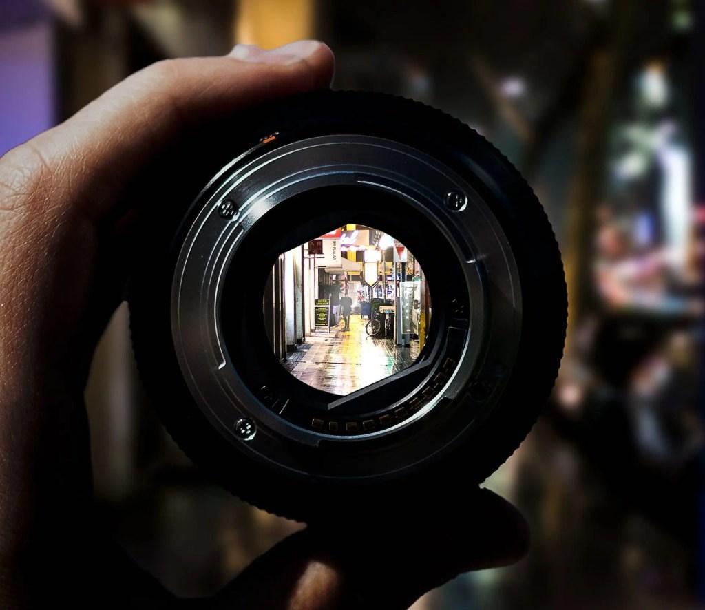 Come scegliere l'obiettivo giusto per fare Street Photography