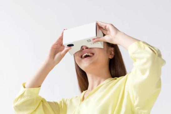 紙製VRゴーグル「Swing」がリニューアル