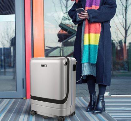 自走するスマートスーツケース「Airwheel SR5」