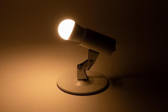 「スマートLED電球(調光・調色)/E17」製品画像