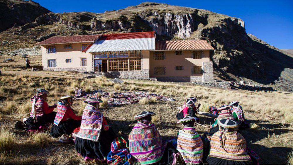 Visit Rainbow Mountain -Ausangate trek with rainbow mountain