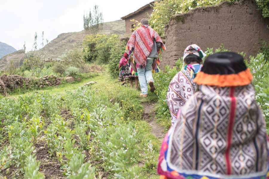 Peruvian textile weaving - Exploring the Garden in the Sacred Valley