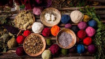 Peru-Sacred-Valley-Tour-Weaving