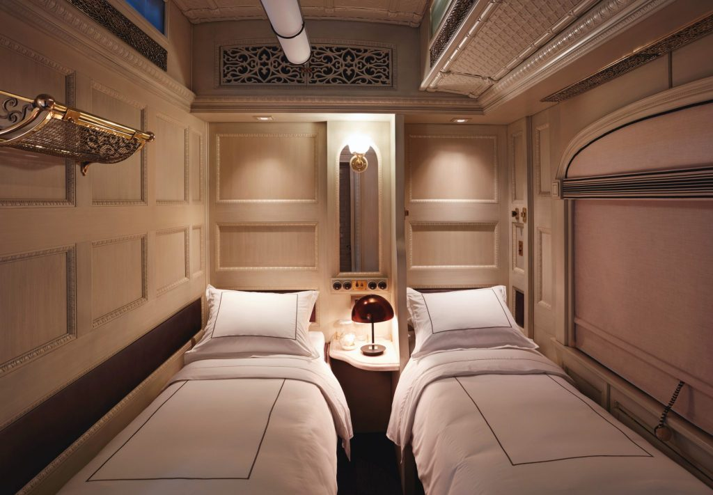 Twin bedroom - Belmond andean Explorer