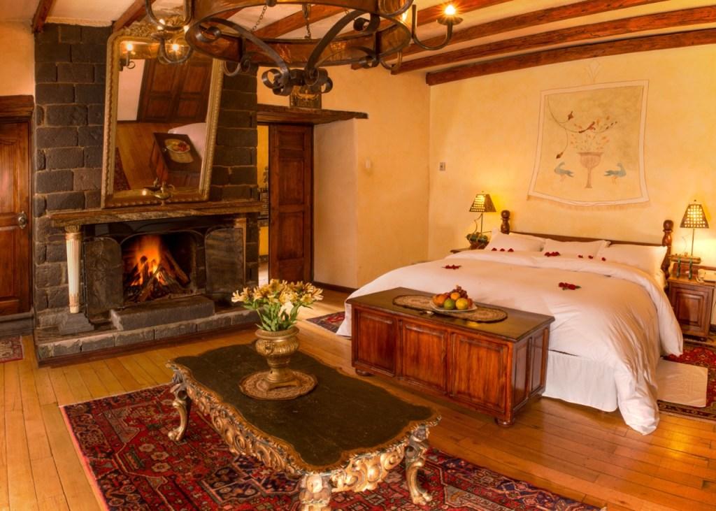 Ecuador vacation - Hacienda room with Tren Crucero