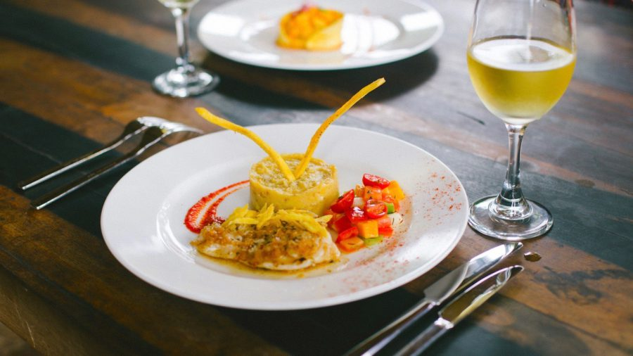 gourmet meal at luxury crucero Ecuador