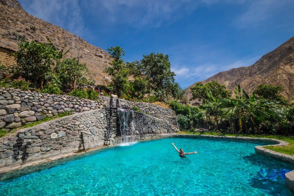 Colca Canyon trek - Swimming at Sangalle.