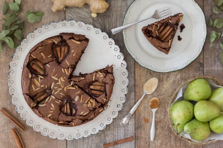 עוגת שוקולד, אגסים וג'ינג'ר