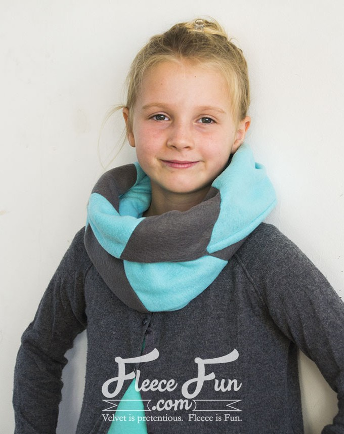 Colourblocked Cowl Tutorial – Fleece Fun