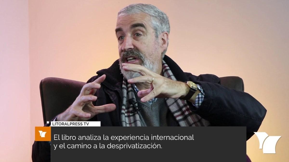 """Entrevista a Andrés Solimano autor libro """"Pensiones a la Chilena"""""""