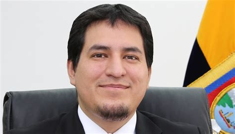 Andrés Arauz denuncia intentos en el Ecuador para impedir la segunda vuelta electoral