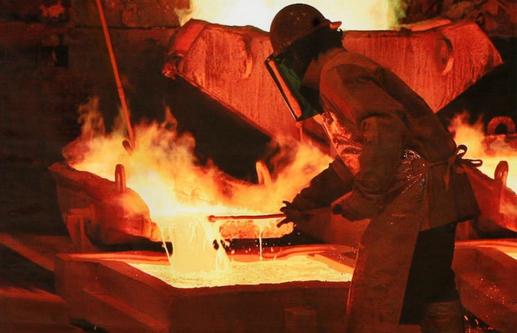 El Mercurio, fiel a su rol: falsea la realidad de la tributación de las mineras extranjeras