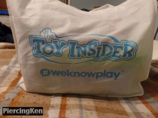 holiday of play, toy insider, holiday of play 2017, goodie bags