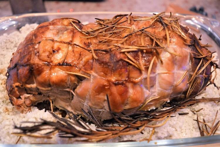 wieprzowina, rolada wieprzowa, pieczona w piekarniku na soli