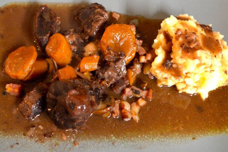 boeuf bourguinon, boeuf, plats mijotés, cuisine française, recettes