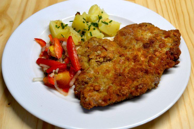 Escalopes-de-porc-pannees-a-la-polonaise-Kotlety-schabowe-recette-polonaise