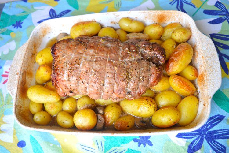 veau, rôti, viande, pommes de terre,