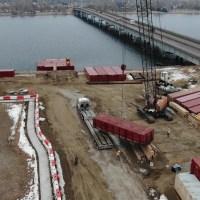 Crane offloading pontoon2_1.6.21