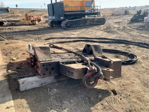 Vibratory Hammer to drive dock wall sheeting and casings 3.4.21