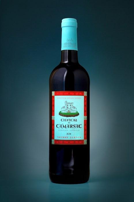 Photographie parckshot d'une bouteille de chateau Camarsac, par Pierre Pointeau, photographe packshot