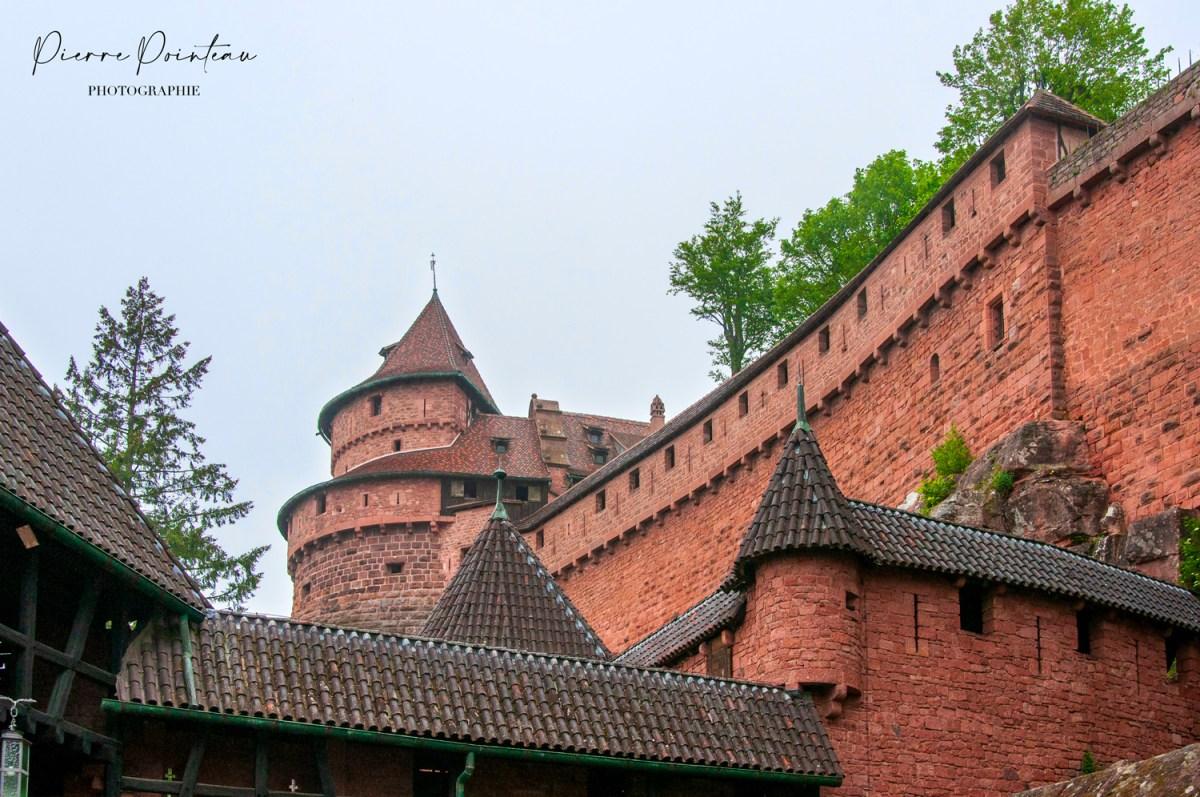 Photohgraphie du château du Haut Koenigsbourg, en Alsace.