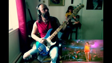 Hypocrisy feat Spice girls Wannabe 47 live (Bass cover)