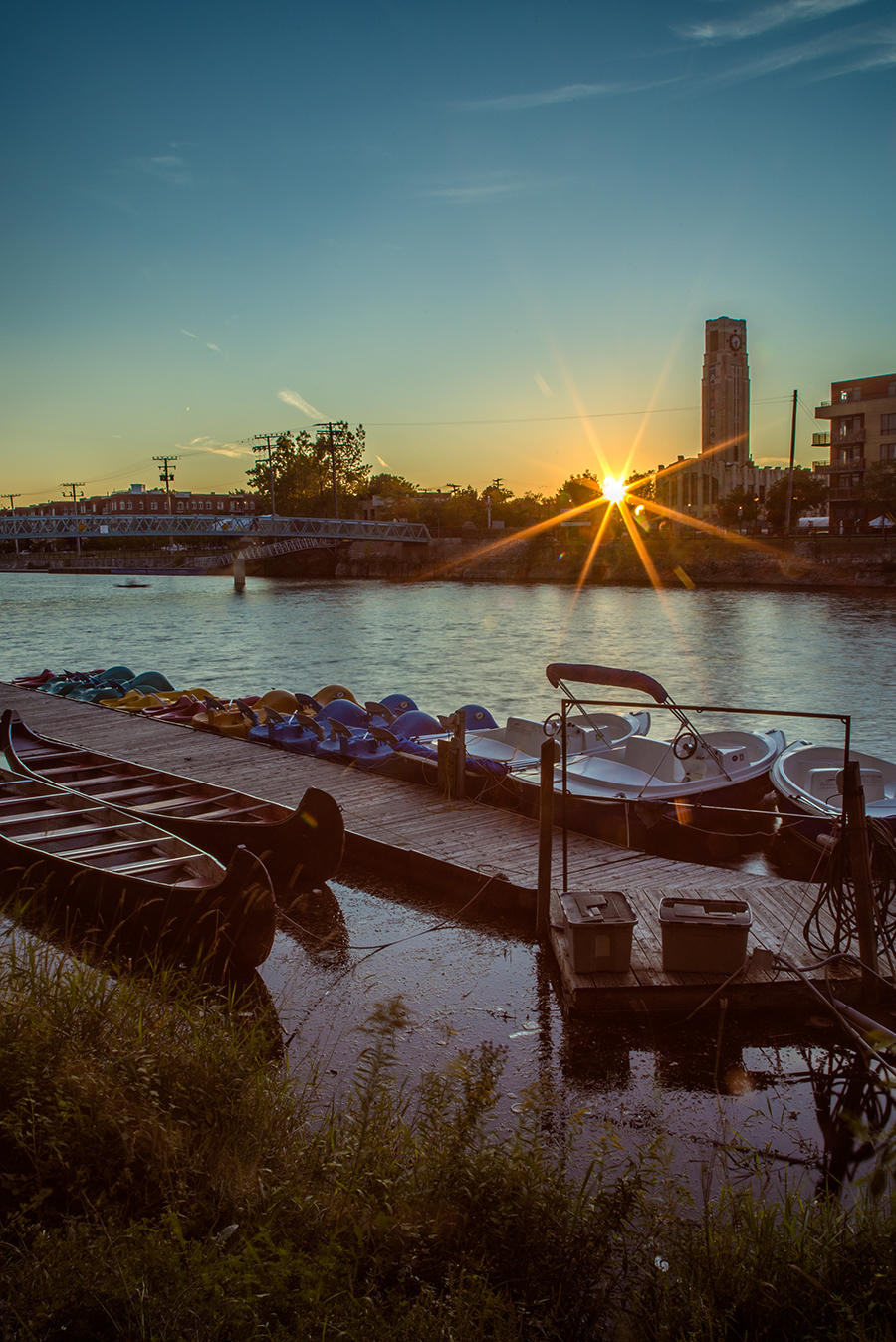 canal_lachine_marche_atwater_couch_vert_good_corr