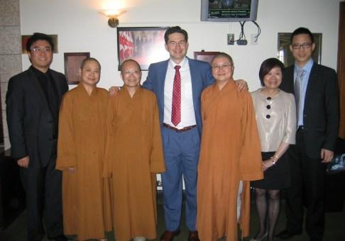 buddha-light-temple-visit-to-parliament-2012