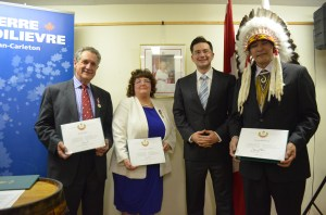 L to R: Mr. Ronald Cohen, Mrs. Coreen Atkins-Sheldrick, MP Pierre Poilievre, Chief Kenny Blacksmith