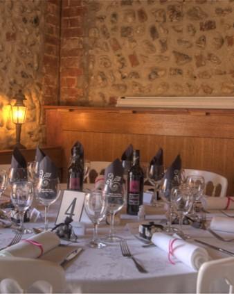 Commercial - restaurant table setting