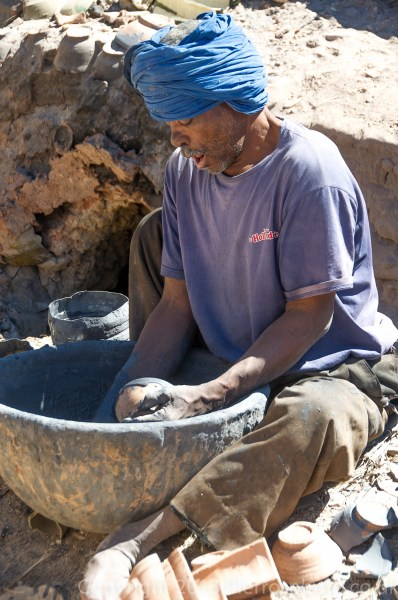 Moroccan potter