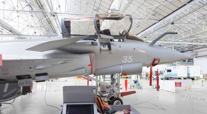 Photo vidéo pour l'industrie, ligne de montage Dassault Rafale à Mérignac, profil avant