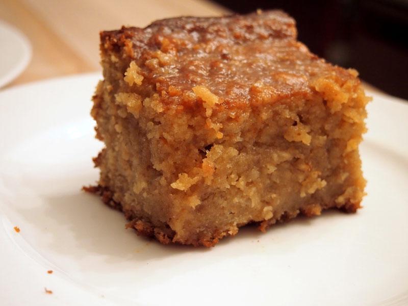 Quick Applesauce Cake