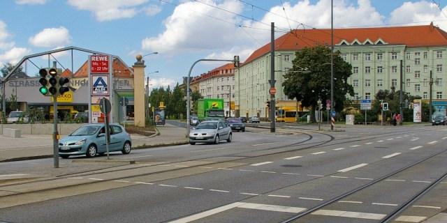 Dreyssigplatz
