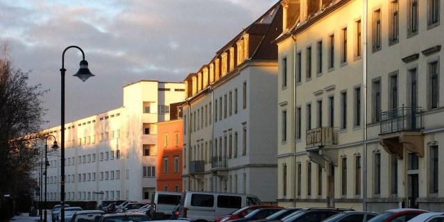 Arno-Lade- Straße