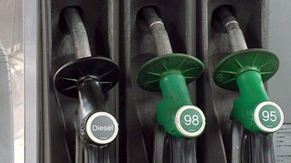 bensa+tankkaus+letkut+polttoaine+bensiini+huoltoasema