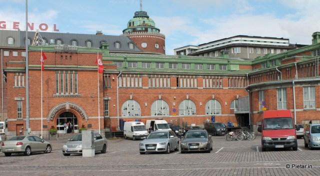 Ostettiin Hakaniemen hallista mausteita.