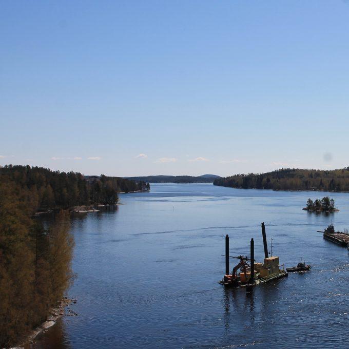 Upea maisema Saimaalle Laitaatsalmen sillalla.