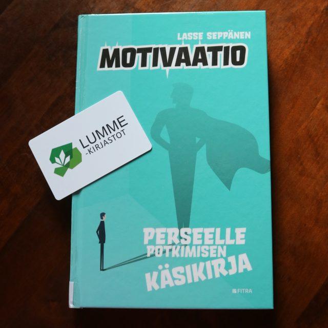 Kirjastokortti ja motivaatio kirja.
