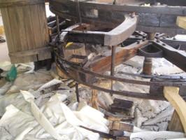 ruota idraulica parzialmente smontata.