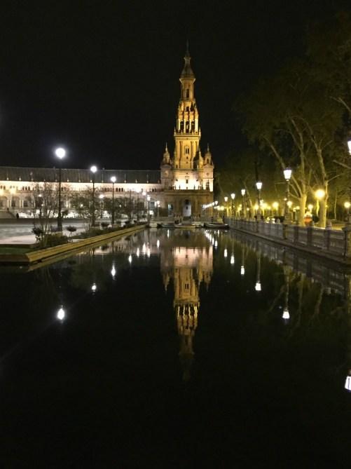 cosa vedere in andalusia in una settimana siviglia plaza de espana notte