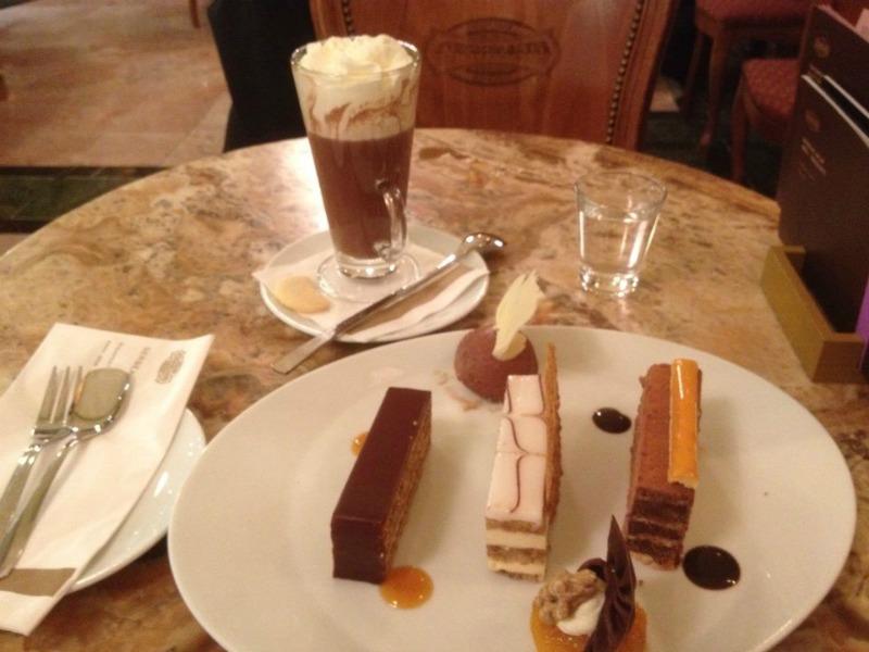 Cosa vedere a Budapest cafè gerbeaud
