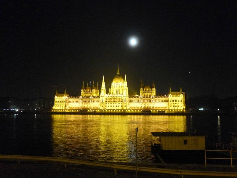 Cosa ho visto a Budapest parlamento ungheria