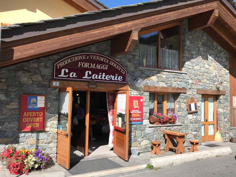 10 cose da fare in Val d'Ayas haute fromagerie brusson