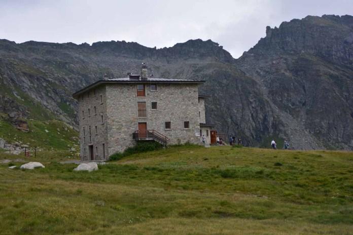 10 cose da fare in Val d'Ayas rifugio arp