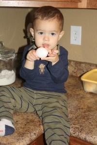 Pigglesworth Cooks An Egg